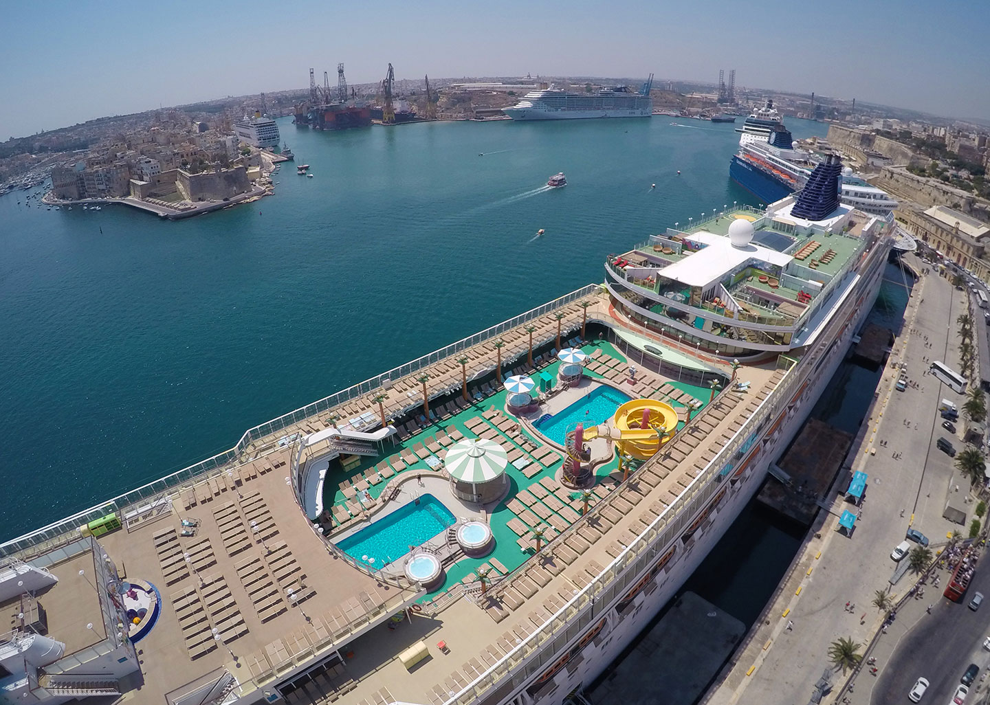Record number of cruise passengers land on Maltese shores in a single day